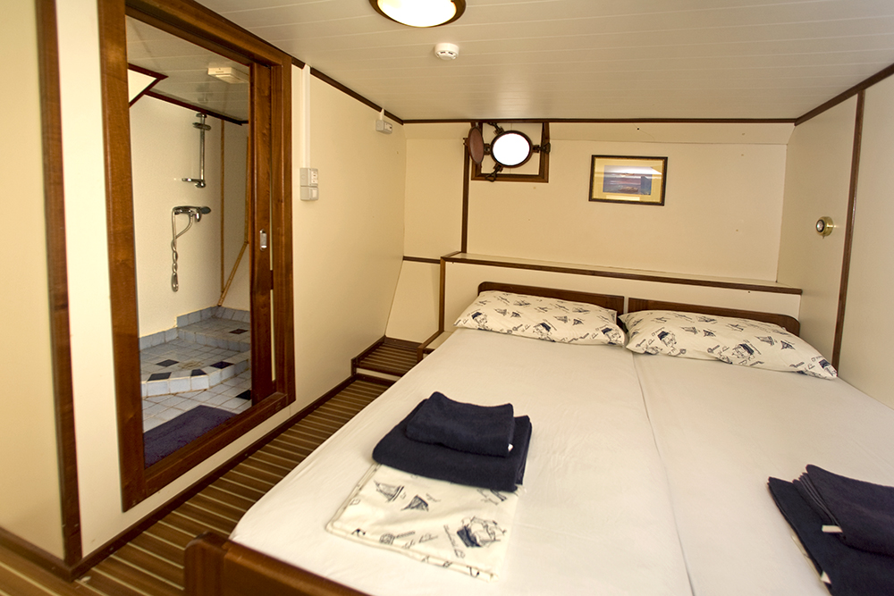 below-deck cabin A-Extra boat