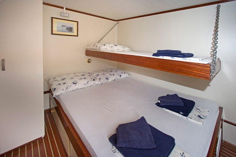 Flexible above-deck double/twin/triple cabin.